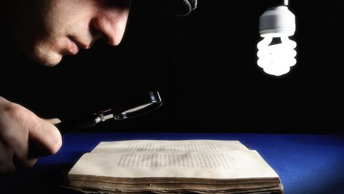 La littérature mène l'enquête