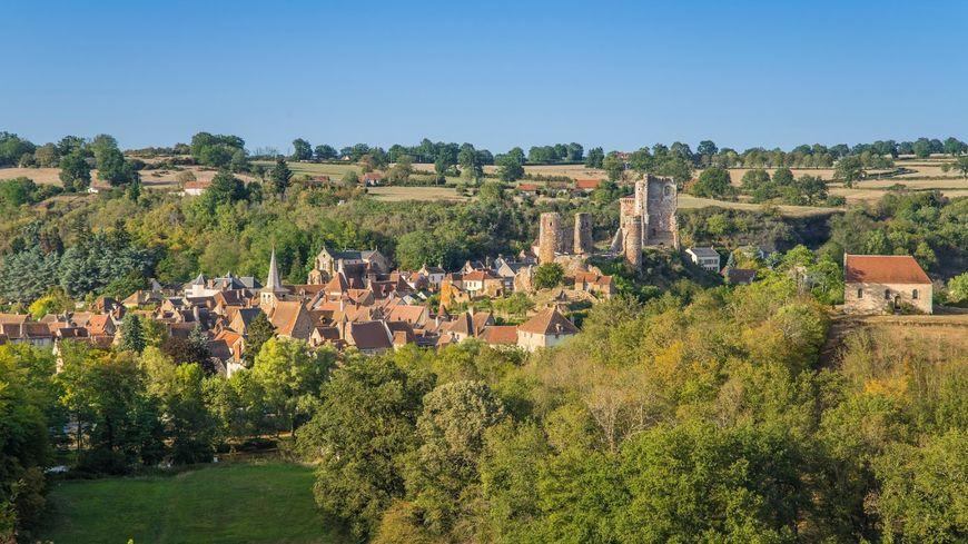 Village préféré des Français : votez pour Hérisson (Allier) qui défend les couleurs d'Auvergne-Rhône-Alpes