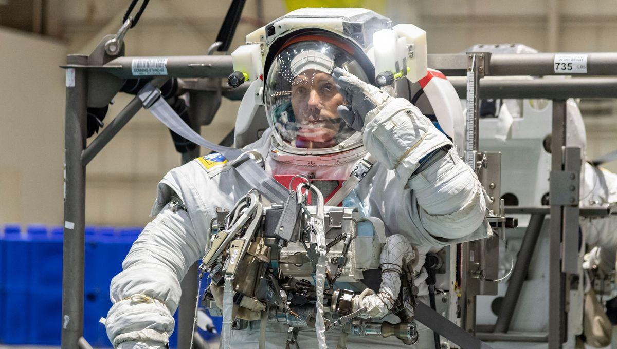 Sommeil, radiation, blob : les expériences qui seront menées lors de la prochaine mission à bord de l'ISS - France Inter