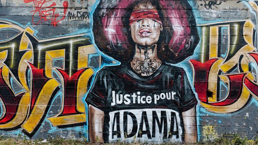 Affaire Adama Traoré : un médecin américain met en cause l'intervention des gendarmes