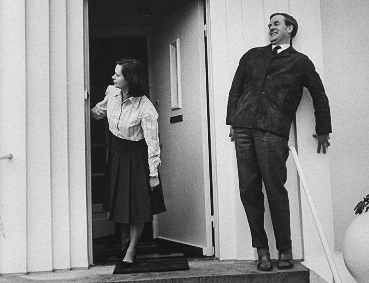 John Le Carré et son épouse Jane, 1964