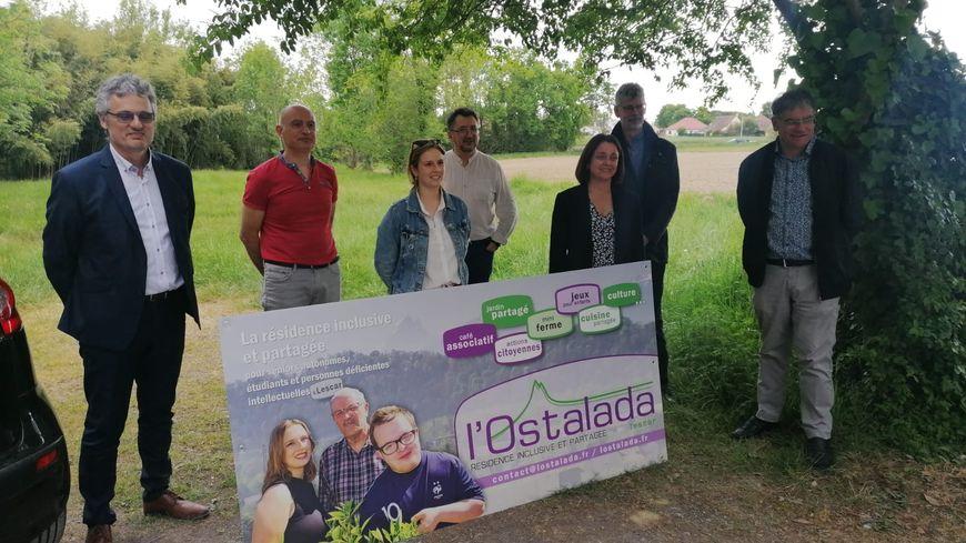 Les présidents de l'association l'Ostalada ont présenté le projet cette semaine avec la maire de Lescar Valérie Revel et le bailleur social Office 64.
