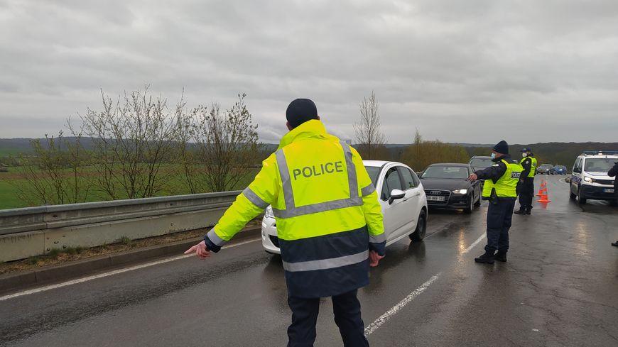 Après la réouverture des terrasses au Luxembourg, le police contrôle les déplacements vers le Grand-Duché