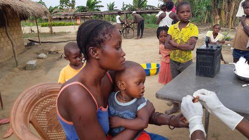 Au bord du fleuve Congo : la maladie du sommeil en voie d'éradication