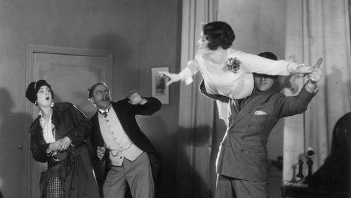 Épisode 3 : Tango, valse, quand les danses de salon font scandale