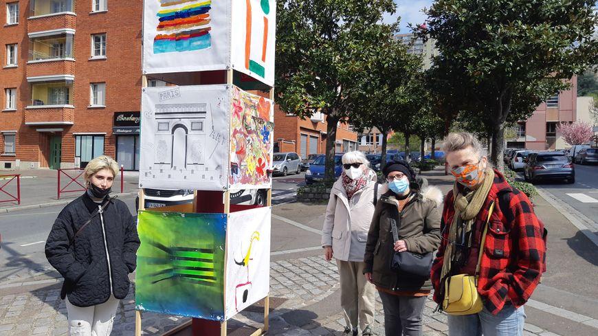"""""""Liberté, j'écris ton nom"""" : au Pré Saint-Gervais, les habitants exposent leurs oeuvres dans la ville"""