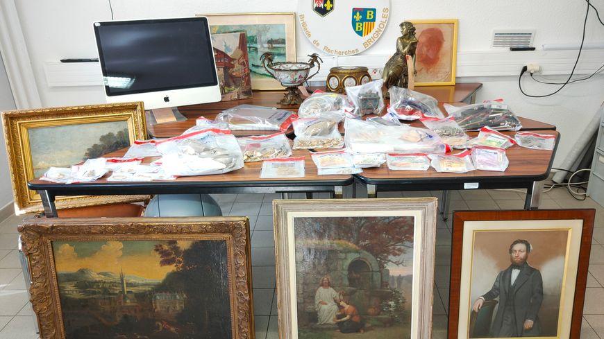 Les enquêteurs ont retrouvé notamment des bijoux et des pièces d'or