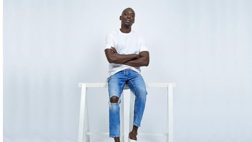Omar Victor Diop, l'art de la photo-studio