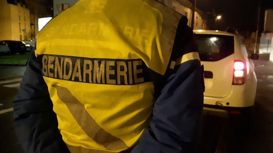Fin de course poursuite sur le toit pour cet automobiliste d'une trentaine d'années qui a essayé d'échapper jeudi 29 avril à un contrôle de gendarmerie à Miserey-Salines (Doubs) sur la nationale 57.