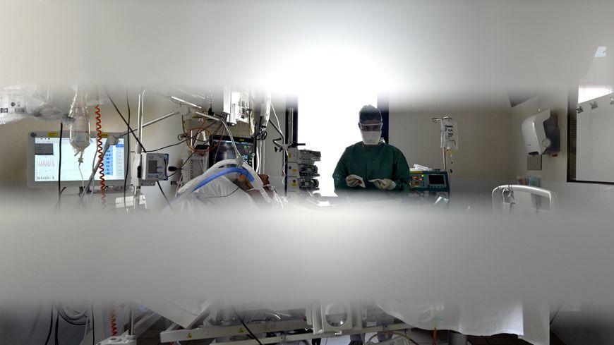 Service de réanimation de l'hôpital Central du CHRU de Nancy, le 6 avril 2021.