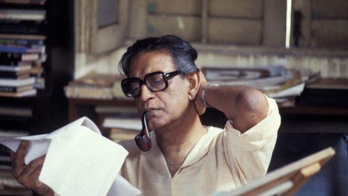 """Épisode 8 : Charles Tesson: """"Satyajit Ray a créé un cinéma qui a fait du spectateur un sujet sensible, à l'image de ses personnages"""""""