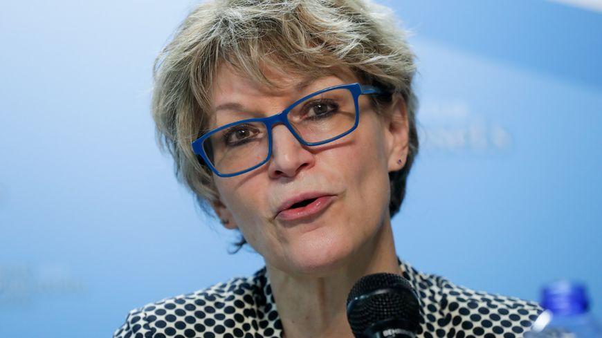 """La nouvelle secrétaire générale d'Amnesty International adresse un """"carton  rouge"""" à l'État français"""