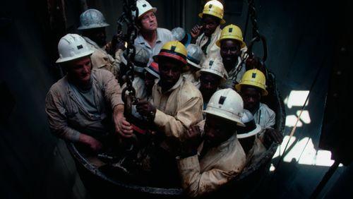Une promesse d'ascension sociale (2/3) : L'histoire d'un ascenseur tombé en panne