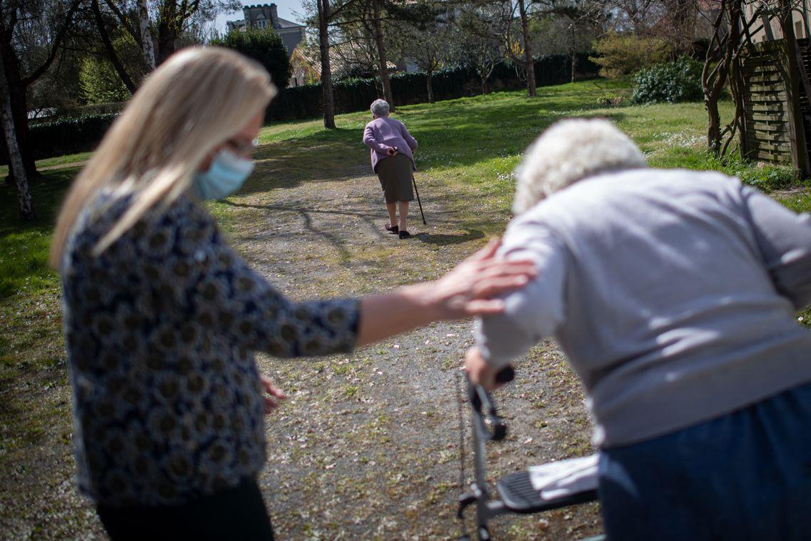 La journée de solidarité rapporte 3 milliards d'euros pour aider les personnes âgées dépendantes