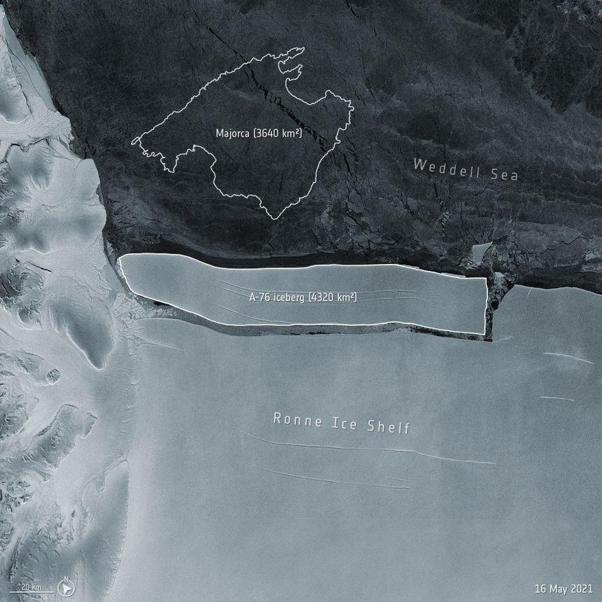 L'iceberg A-76, plus gros morceau de glace jamais observé, s'est détaché de la banquise en Antarctique