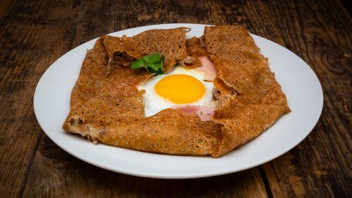 """Riad Sattouf : """"La galette de sarrasin, c'est un plat légendaire"""""""