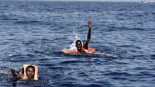 """Roberto Saviano : """"Je veux briser la myopie face à la Méditerranée qui est devenue une fosse commune"""""""