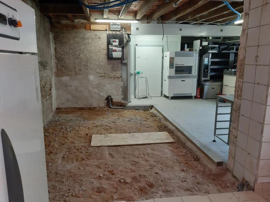 Les travaux d'aménagement du nouveau fournil de la boulangerie Le Dolmen