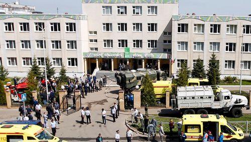 Après une tuerie dans une école, la Russie s'interroge sur son rapport aux armes