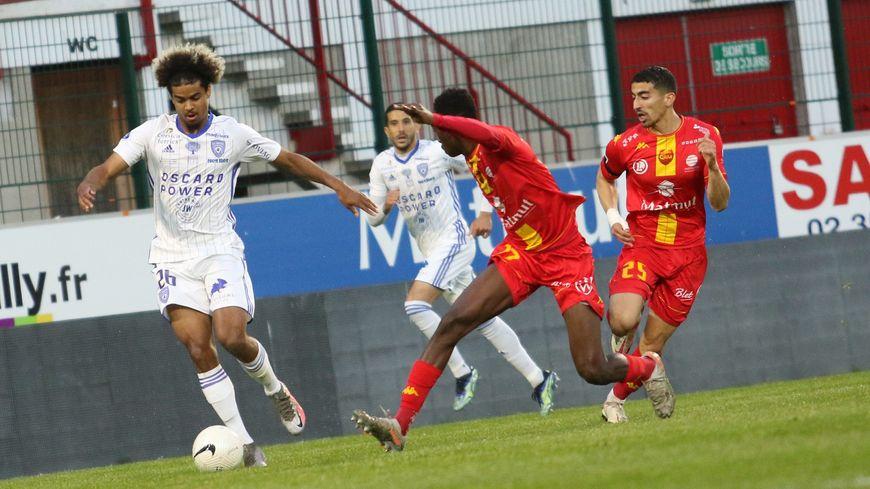 <b>Foot</b> – <b>National</b> : Vainqueur à Quevilly (0-1), le SCB décroche le titre de champion de France