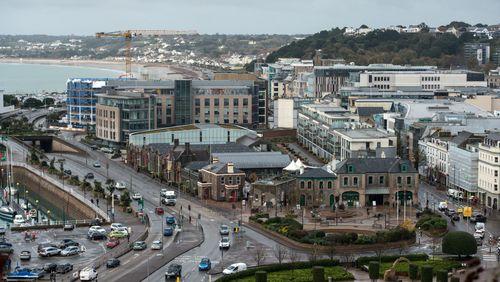 Face aux menaces françaises, le Royaume-Uni déploie des navires militaires à Jersey