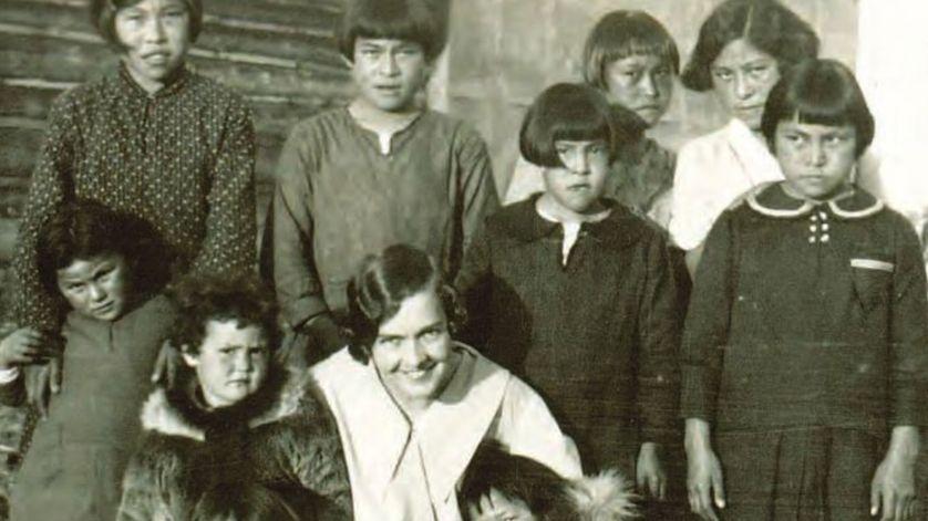 """""""Tuer l'Indien dans l'enfant"""" : d'anciens pensionnaires canadiens témoignent"""