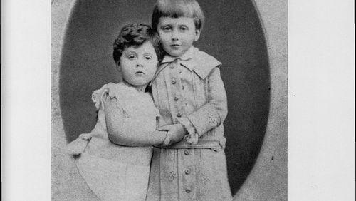 """Épisode 14 : Nathalie Mauriac : """"Ces feuillets de Marcel Proust font entrer dans l'évocation d'une vie de famille sans faire peser tout le poids du chef-d'oeuvre"""""""