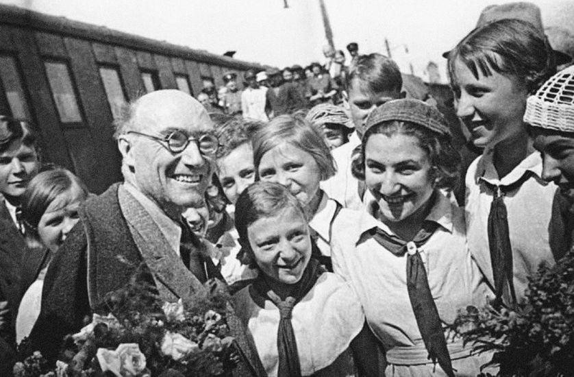 """""""J'ai épousé la théorie communiste avec enthousiasme et, je peux dire, avec aveuglement"""" - Ép. 4/5 - André Gide, le choix d'être soi"""