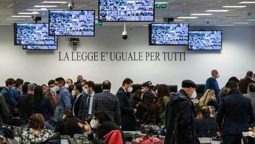 Régions : les Etats au défi (3/4) : De la Calabre au Tessin : la mafia tisse sa toile