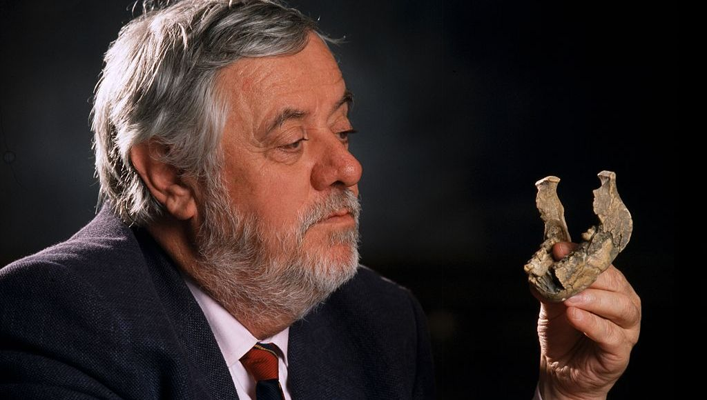 Pourquoi l'homme a-t-il créé la « Religion » aux temps préhistoriques, selon Yves Coppens ?