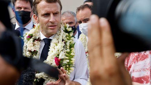 """Emmanuel Macron ne demande pas pardon aux Polynésiens mais reconnaît """"une dette"""" pour les essais nucléaires français"""