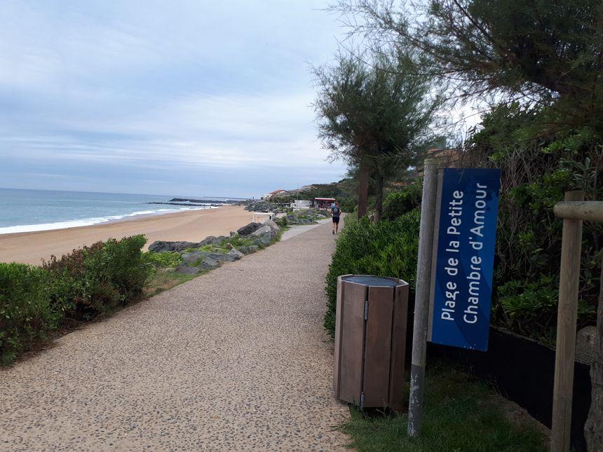 La plage d'une petite chambre d'amour est la seule labellisée handiplage à Anglet