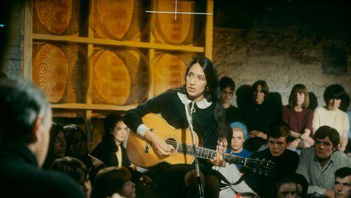 Joan Baez : Chanter pour un Autre Monde (2/2) : La pasionaria