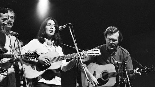 Joan Baez : chanter pour un Autre Monde