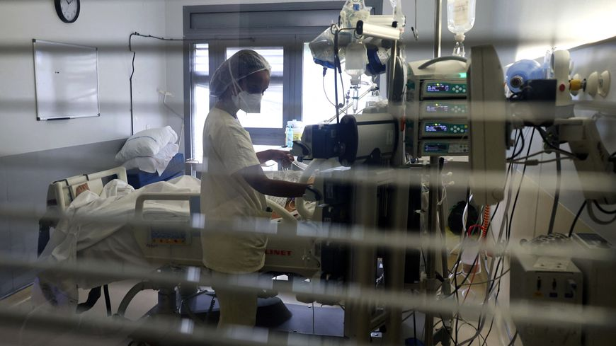 Les non-vaccinés représentent environ 85% des malades hospitalisés en France [photo d'illustration].