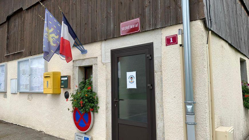 Brigitte Ligney, maire du Doubs, disparue à la Réunion : l'émotion à La Chenalotte