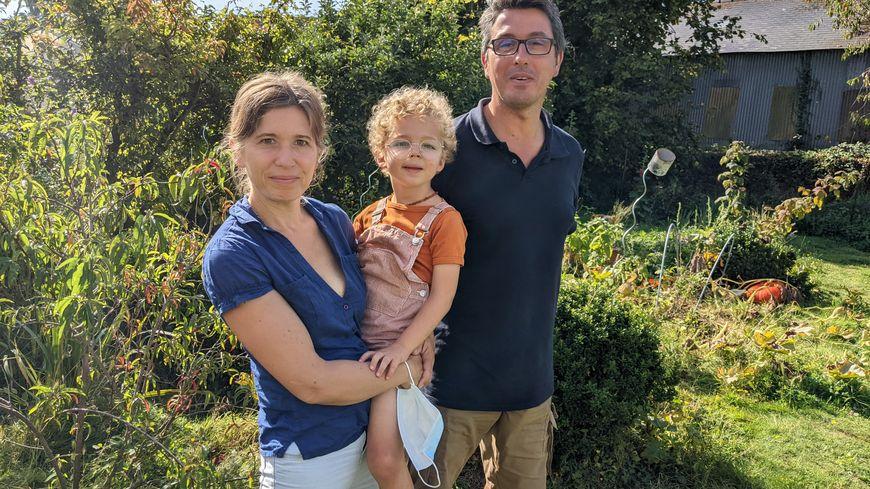 La famille Le Lannou se retrouve sans AESH (accompagnant des élèves en situation de handicap) pour cette rentrée 2021, à Martigné-Ferchaud, malgré les difficultés du petit Marceau, 5 ans et autiste.