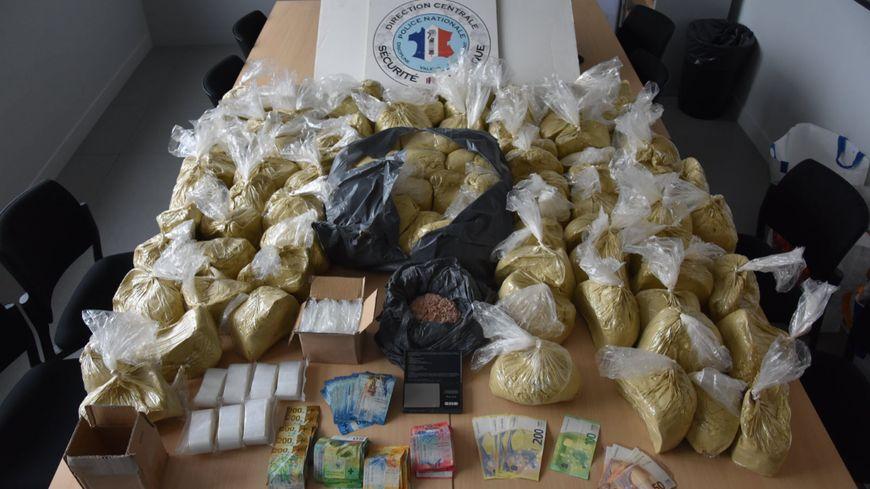 Trafic d'héroïne : 102 kilos de produits de coupe saisis à Annemasse