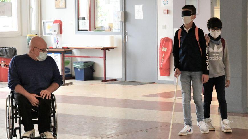 Les élèves ont notamment découvert la vie d'une personne aveugle