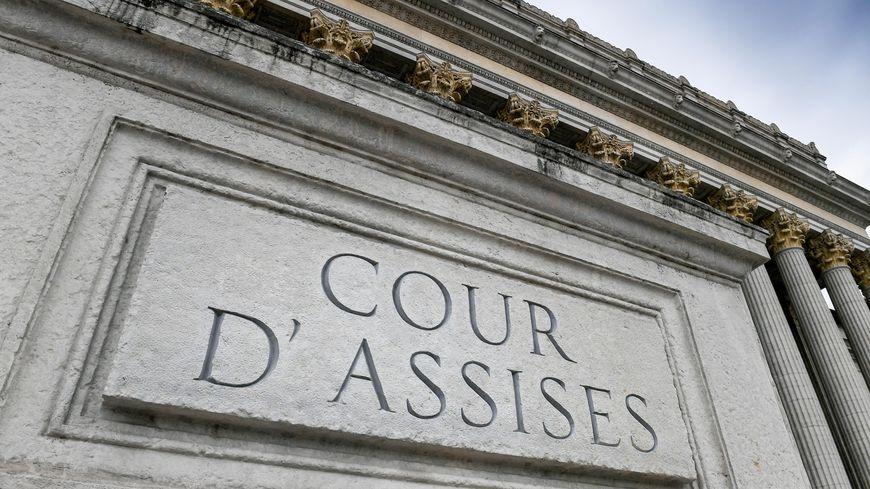 Meurtre d'un homosexuel dans le Val d'Oise : un jeune de 22 ans condamné à 20 ans de prison