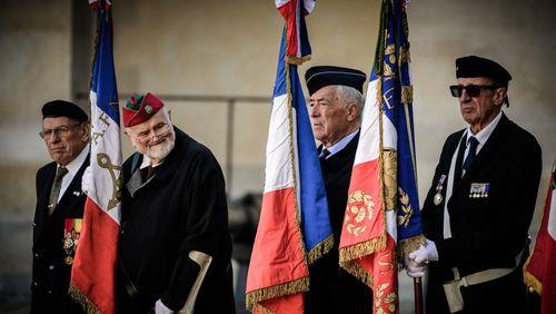 La France demande pardon aux harkis