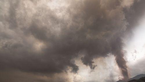 Existe-t-il des liens entre éruptions volcaniques et changement climatique ?