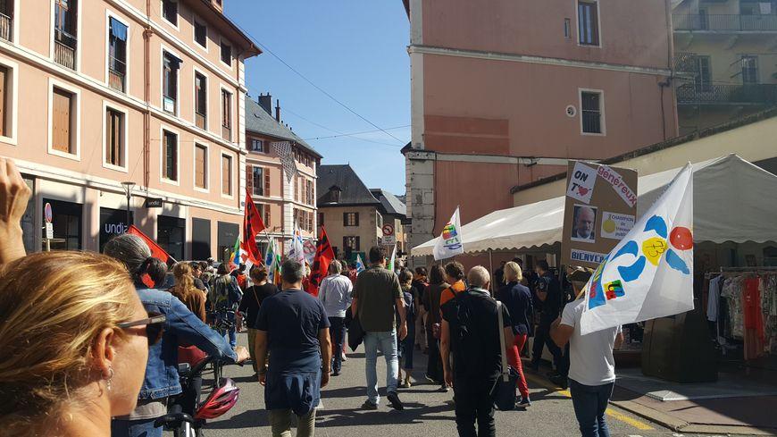 Grève dans l'éducation : près de 200 enseignants dans la rue à Annecy et Chambéry