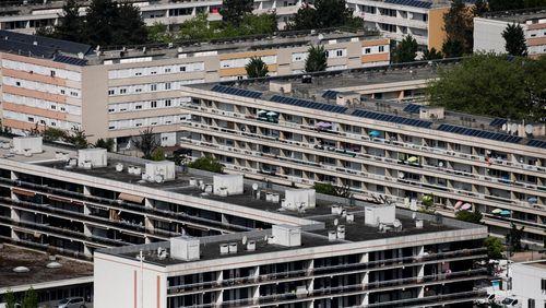 La vie ordinaire dans nos Cités 1/4 : L'enfance à Chambéry-le-Haut