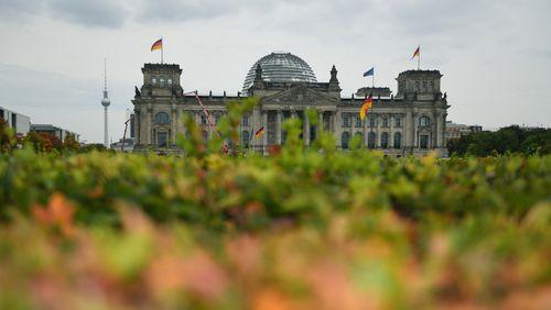 Allemagne : à l'issue des élections fédérales, SPD et CDU courtisent les écologistes et les libéraux