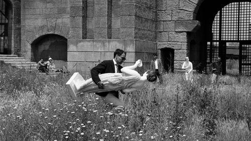La visite du Louvre en 9 minutes et 43 secondes, par Jean-Luc Godard