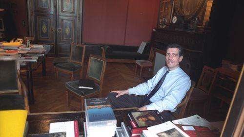 Henri Loyrette, une vision des musées 4/5 :  Le Louvre hors les murs