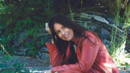 """Christine Montalbetti :"""" De roman en roman, j'aime faire entrer le lecteur dans mon atelier"""""""