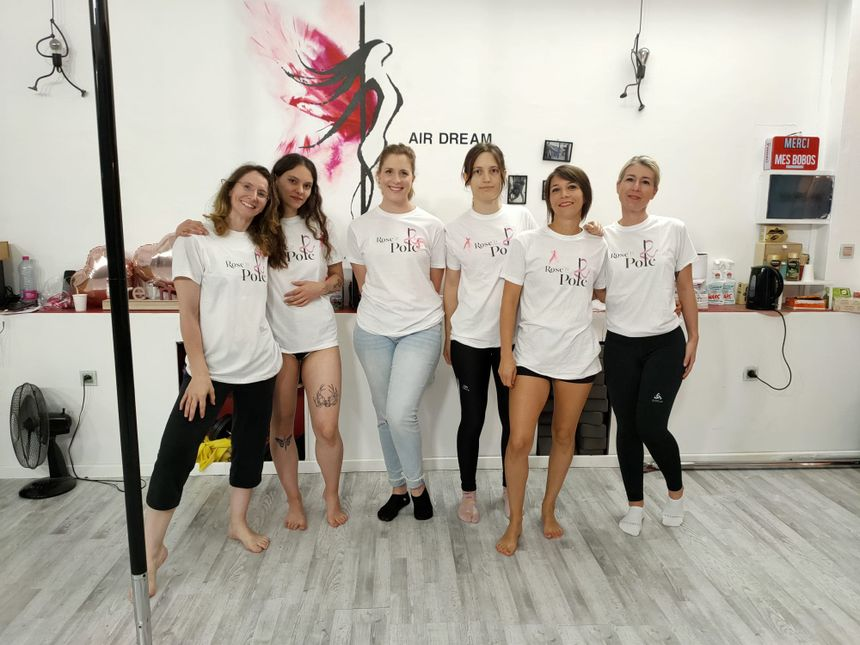 in Rennes; an affiliation presents Pole Dance courses to ladies who maintain had breast most cancers