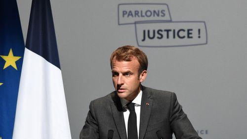 Emmanuel Macron critique les procédures judiciaires visant ses ministres